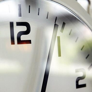 Die Uhr für den Innenbereich Profil 940 überdauert die Zeit
