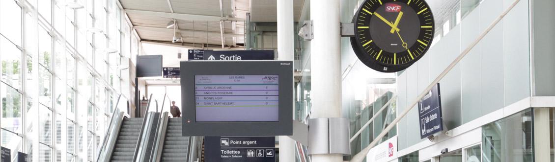 slide-clocks-bodet-for-train-station