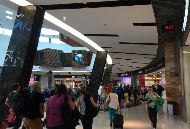 Bodet instala relojes digitales en el aeropuerto internacional de Lisboa