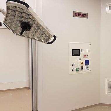 Reloj LED Style 7S OP integrado en el ámbito sanitario